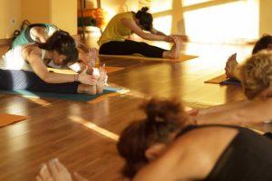 Η Yoga κάνει καλό στην κατάθλιψη, τις αϋπνίες και τη σχιζοφρένεια